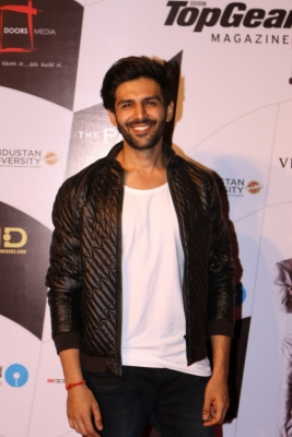 Kartik Aaryan received best compliment from Paresh Rawal