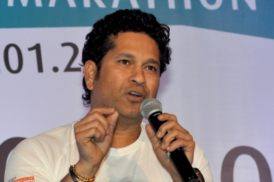Suggested Dhoni to be promoted during 2011 WC final: Tendulkar