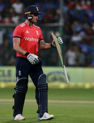 Roy stars as England beat Australia by 5 wickets in 1st ODI