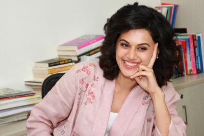 Taapsee Pannu to sponsor  Pink  inspired cafe