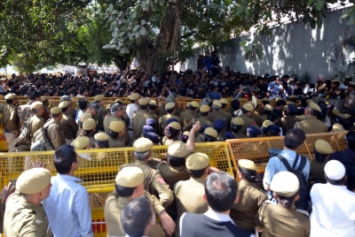 Three policemen suspended over Ramjas violence (Roundup)