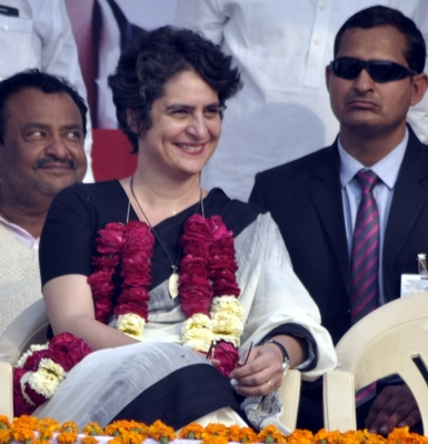 Ahead of Lok Sabha polls, Congress unveils 'trump card' Priyanka (Second Lead)
