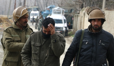 Two suspected LeT ultras among three killed in Kashmir gunfight (Third Lead)