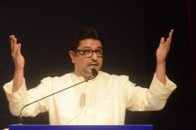 Raj Thackeray cracks whip on schools over students  safety
