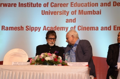 Ramesh Sippy waited 3 years to shoot a single  Sholay  scene: Amitabh