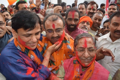 Bihar BJP celebrates Holi early