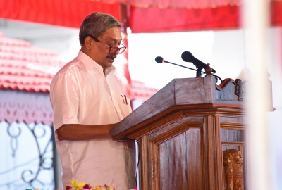 Manohar Parrikar takes charge in Goa for fourth time (Roundup)