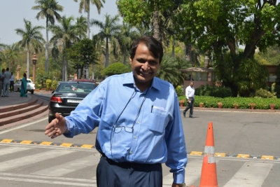Prabhu meets PM, takes  moral responsibility  for accidents (Lead)