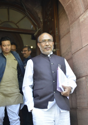 Manipur students continue protests, CM calls for dialogue