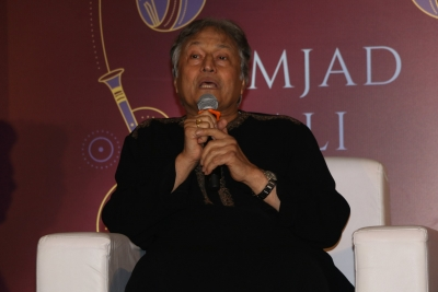Ustad Amjad Ali Khan presented lifetime achievement award in Delhi