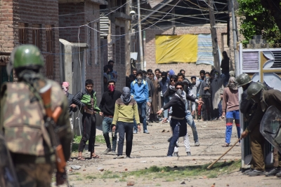 Violence mars Srinagar LS by-poll, assembly by-polls in 8 states peaceful (Roundup)