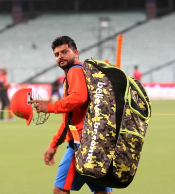 Cricketer Raina, wife launch foundation for poor mothers