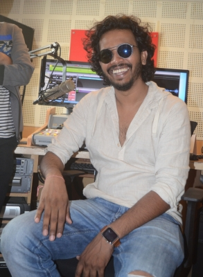 Singer Nakash Aziz to release debut single  Heeriye