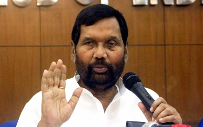 Bring ordinance to restore SC/ST Act: Paswan
