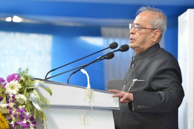 President lauds Mamata for good work in health, education