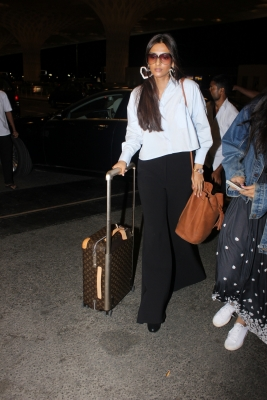 Sonam Kapoor channels  fashion icon  Cher at Cannes