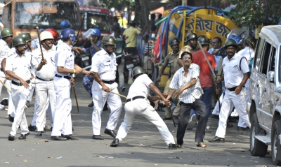 CPI-M demands apology from Mamata for  police brutality