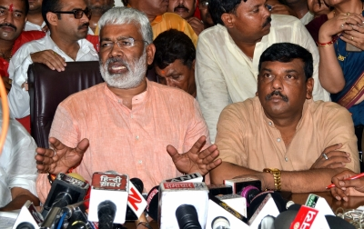 Crisis of candidates grips Congress, BJP in Rajasthan