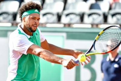 Renzo Olivo shocks Tsonga to advance to second round of French Open
