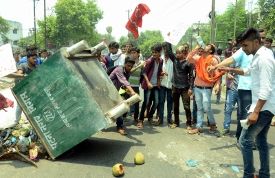 Hundreds of Bihar Class 12 students protest against being failed, demand re-checking