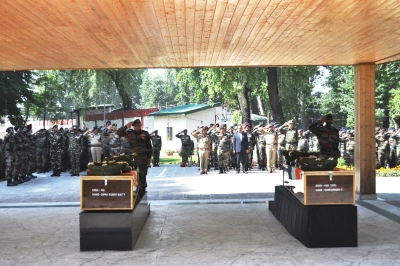 Army pays tributes to Kashmir highway ambush victims