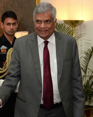 Sri Lankan PM leaves for India