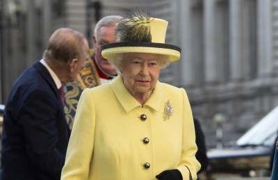 Queen talks about risks of wearing Imperial State Crown