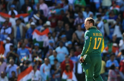 AB de Villiers to lead S. Africa in T20Is against England