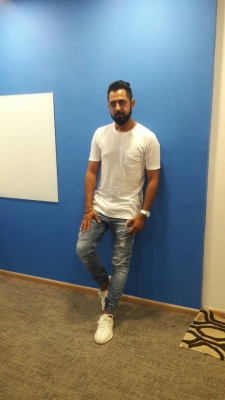 Angreji Beat  was not recorded formally: Gippy Grewal