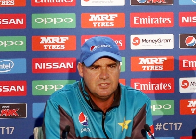 Pakistan's fielding a real worry for me: Mickey Arthur