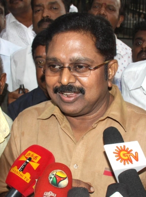 TN CM accuses Dinakaran of attempting to capture power through  backdoor