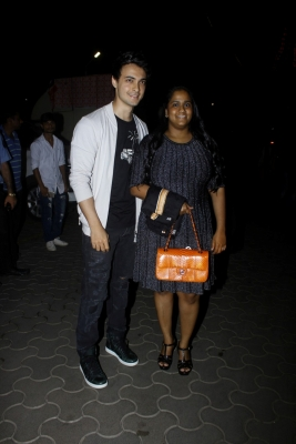 Arpita Khan excited about husband Aayush s film debut (Movie Snippets)