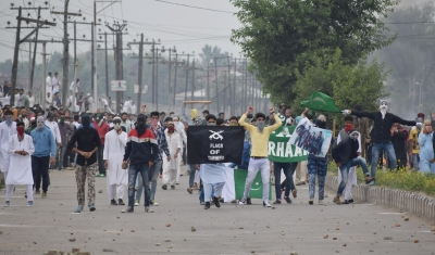 Eid celebrated across India, clashes occur in Kashmir Valley (Roundup)