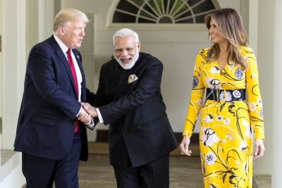 Modi gifts shawls, bracelet, Lincoln stamp to Trumps (Lead)