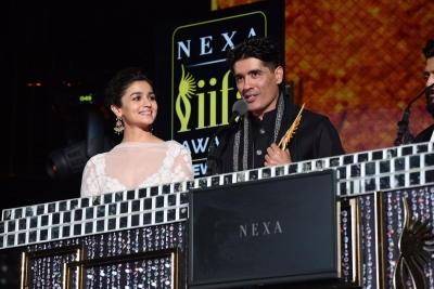 Shahid, Alia win Best Actors at IIFA 2017 for  Udta Punjab