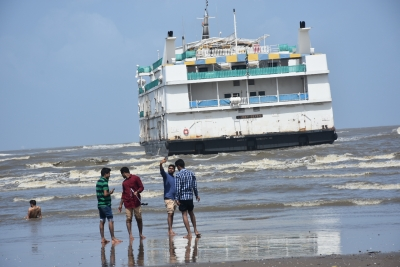 Four crew members rescued after casino cruise ship hits sandbar in Goa