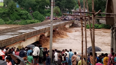 Odisha seeks army, IAF help in flooded areas