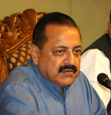 Don t get distracted by  constitutional issues , Jitendra Singh tells J&K