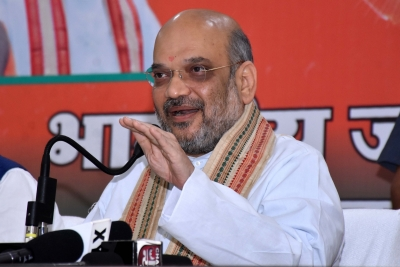 Day 2 of Shah's 3-day Rajasthan tour starts with meeting seers