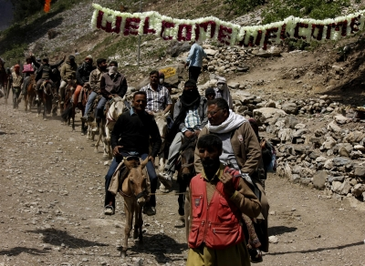 Amarnath Yatra resumes after day s suspension