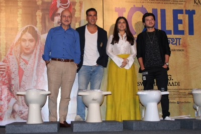 Everyone, especially women, must have safe, clean toilet: Akshay