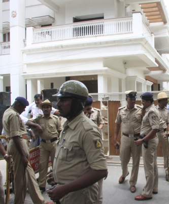 IT raids continue on Karnataka minister s houses in Delhi