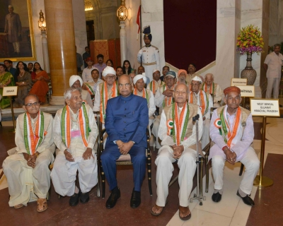President felicitates freedom fighters at Rashtrapati Bhawan