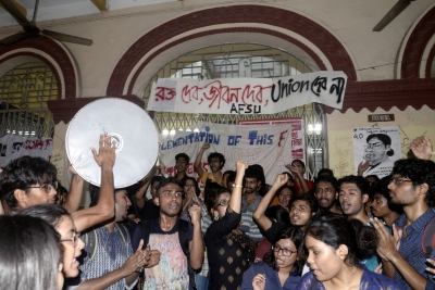 Protests over  apolitical  students  council rock Jadavpur University