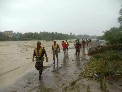 Nepal appeals to India as brimming Koshi threatens floods