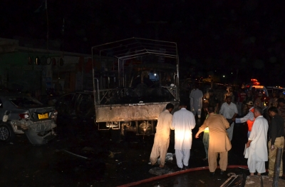 15 dead, 32 injured as blast hits army truck in Pakistan