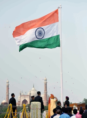Patriotic spirit at Red Fort on 71st I-Day