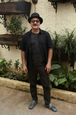Vinay Pathak says Indian artistes get  special care  in Pakistan