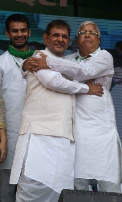 Sharad vows to form Grand Alliance at national level (Lead)
