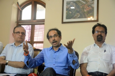 Thackeray pats BMC as Mumbai struggles to normalize after deluge (Lead)